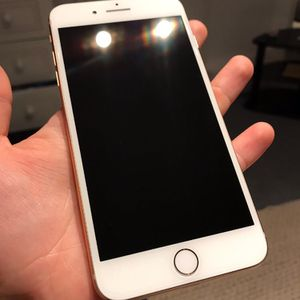 Gold iPhone 8 Plus 64G for Sale in Lakewood, CO