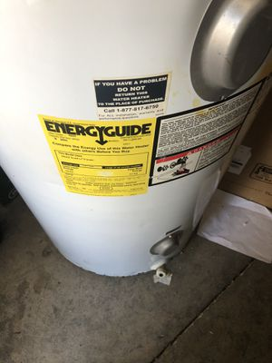 WHIRLPOOL 58 Gallons WATER HEATERS for Sale in Orlando, FL