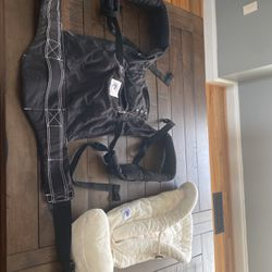 Ergobaby Infant Carrier for Sale in Gaithersburg,  MD
