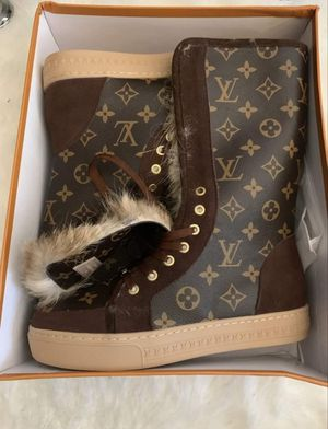 Fuzzy Louis Vuitton Winter Boots!🌀⛄👢 for Sale in New York, NY
