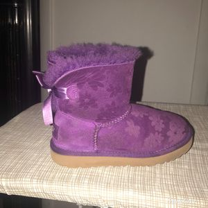 Lil girl UGG'S for Sale in Tampa, FL