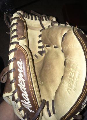 Baseball glove for Sale in Rockville, MD