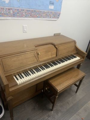 Free piano for Sale in Federal Way, WA
