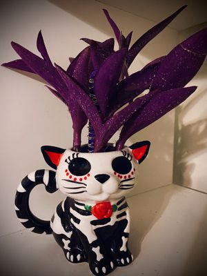 Day of the dead dia de los muertos CAT birthday gift office gift ceramic pot purple lights purple plant Halloween for Sale in Covina, CA