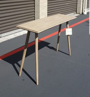 New Safavieh console table, entry table, sofa table 48 wide 16 deep 30 ft tall for Sale in Renton, WA