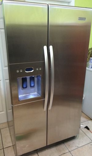 Kitchen Aid Stainless Steel in excellent condition delivery available for Sale in Los Angeles, CA