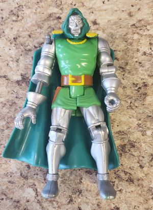 Toy Biz Marvel 1994 Dr Doom Action Figure Shooting Arm Doctor Toybiz Loose for Sale in Aurora, CO