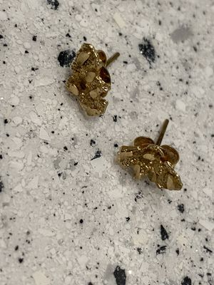 10k small nug earrings real not gold plated like brand new for Sale in Fresno, CA