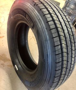 "15"" 12ply trailer tire - ST225/75R15 12-Ply all steel heavy duty trailer tires NEw for Sale in Brenham,  TX"