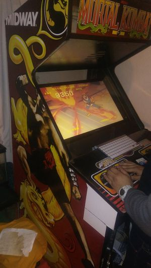 arcade game cabinet includes over 3,000 games for Sale in Orosi, CA
