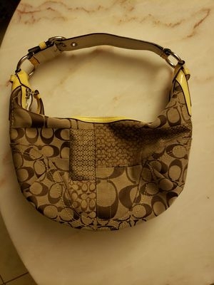 Soho Hobo style COACH bag for sale!!!! for Sale in Sun City, TX