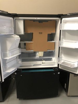 Samsung Refrigerator - Brand New for Sale in Clearwater, FL
