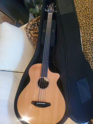 Fretless Breedlove bass for Sale in OR, US