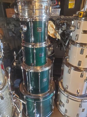 Pearl export drumset 5pc shell pack for Sale in Honolulu, HI