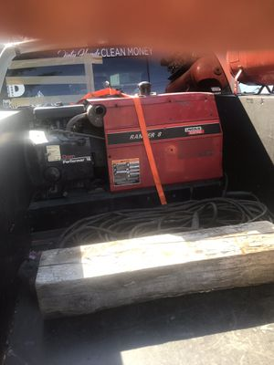 Lincon electric ranger 8 welder for Sale in Hinckley, OH