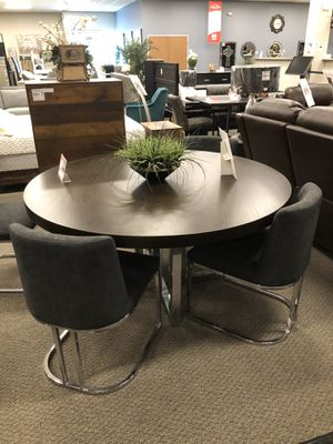 Table $550,Chair $140, 5Pcs original Set $1300 for Sale in Castro Valley, CA