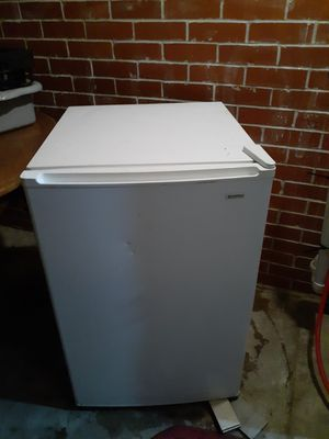 Kenmore apartment size freezer for Sale in Tulsa, OK