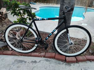 Volume Bike Co Cutter V5 52cm Fu Manchu Fork Deep V 700c new tires ready to ride for Sale in Ontario, CA