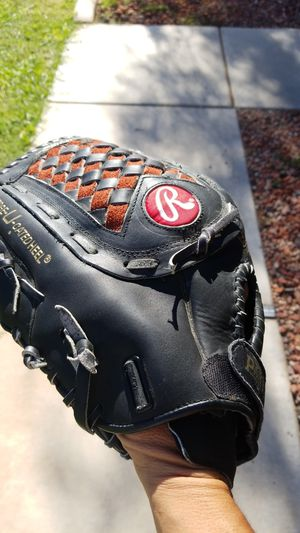 Rawlings leather 14 inch softball glove for Sale in Avondale, AZ