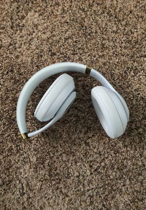 Beats studio 3 headphones used but in good condition. for Sale in Brighton, CO