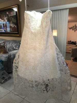 wedding dress Size 10 for Sale in Miami, FL