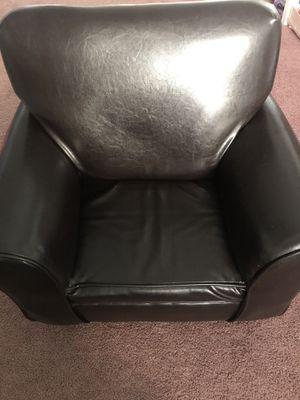 Kids Chair $35 for Sale in Oak Harbor, WA