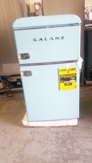 Galanz 3.1 cu. ft. Retro Mini Fridge with Dual Door True Freezer in Blue for Sale in Hesperia, CA