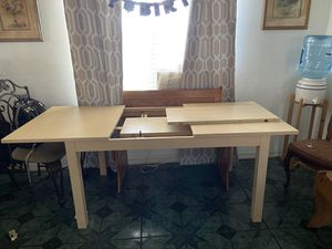 Kitchen table for Sale in Tulare, CA