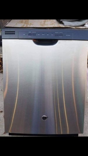 Excellent condition stainless steel dishwasher it works great for Sale in Brandon, FL