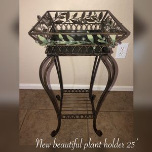 New beautiful plant holder brown metal 25'inches $40 Firm for Sale in Phoenix, AZ