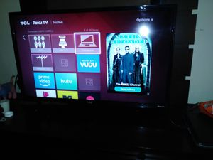 TCL ROKU TV 32INCH for Sale in Oxon Hill, MD