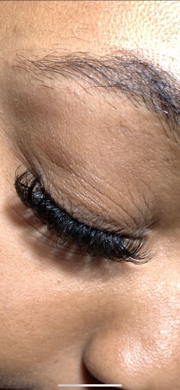 Eyelash extension ( volume )