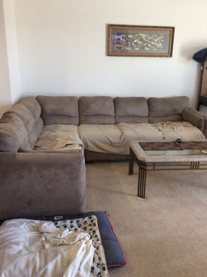 Sectional couch for Sale in Victorville, CA