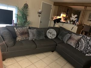Selling for 500$ I've had it for only 5 months but need something smaller.. I got it off Wayfair for 826$ ottoman included for Sale in Orosi, CA