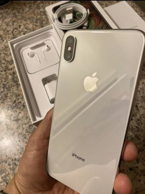 iPhone XS Max silver 256gb like new factory unlocked (desbloqueado para todas las compañías) for Sale in Rosemead, CA