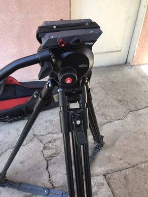 manfrotto 504hd tripod like new , quick release plate and carrying bag for Sale in Santa Ana, CA