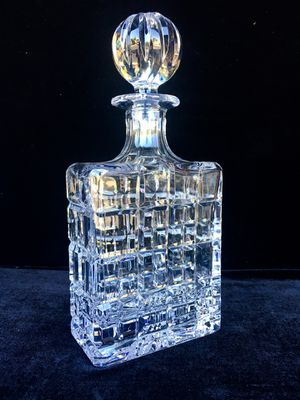 French 24% Pb quality heavy crystal bottle H10.5xW5xD2.5 inch for Sale in Chandler, AZ