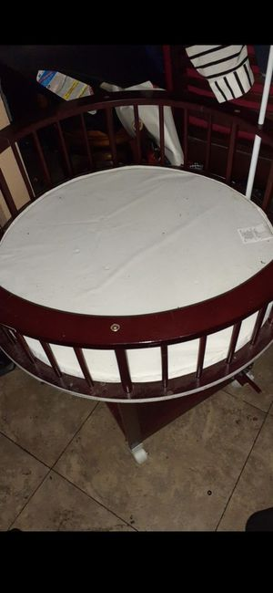 Baby crib for Sale in San Bernardino, CA