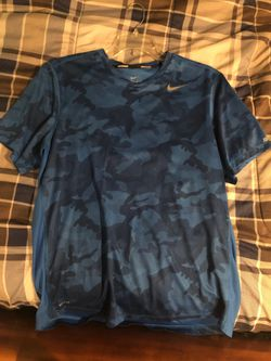 Nike dri fit shirt for Sale in Gaithersburg,  MD