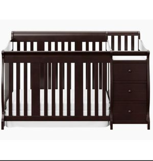 Convertible Crib w/ Changing Table for Sale in San Jose, CA