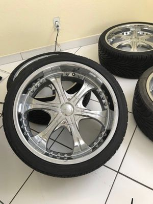VCT Scarface rims 20 inches with low profile tires. for Sale in Miami, FL
