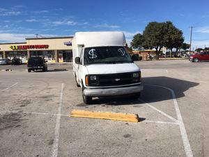 Chevy express 2000 for Sale in Dallas, TX