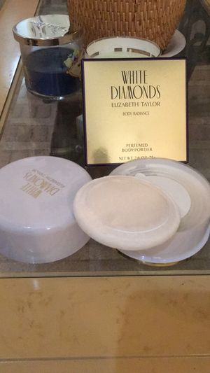 White diamond body powder BRAND NEW for Sale in Highland, CA