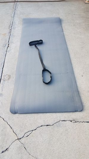 "Cap workout floor mat with handle 68""×24"" New for Sale in Montebello, CA"