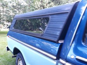 Camper shell canopy, aluminum for Sale in Olalla, WA