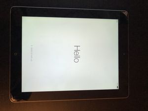 Apple iPad 4th Generation 32GB (Cracked Screen) for Sale in Miami, FL