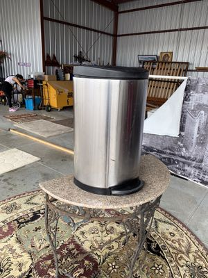 Kitchen Step trash can stainless steel for Sale in Bloomfield Hills, MI