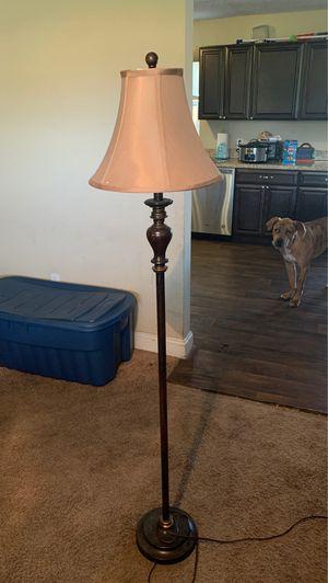 Floor lamp for Sale in Frostproof, FL