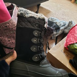 khombu k-guard boots (Smow/rain Boots) for Sale in Spring Valley, CA