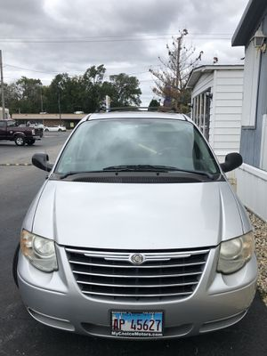 Chrysler Town & country for Sale in Oak Lawn, IL